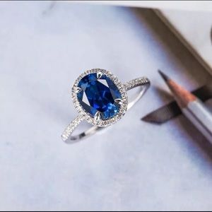 Elegant 925 Silver Round Cut Blue Sapphire Ring